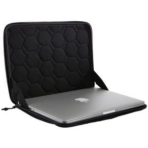 Husa laptop Thule Gauntlet 3.0 Sleeve pentru MacBook Pro Retina 13 inch