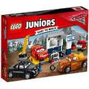 Set de constructie LEGO Juniors Garajul lui Fumuriu