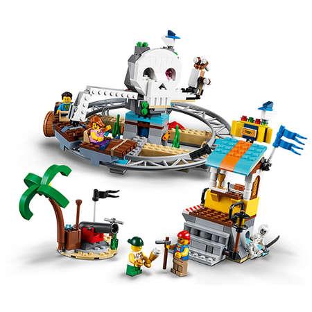 Set de constructie LEGO Creator Roller Coaster-ul Piratilor