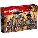 Set de constructie LEGO Ninjago Groapa Dragonilor