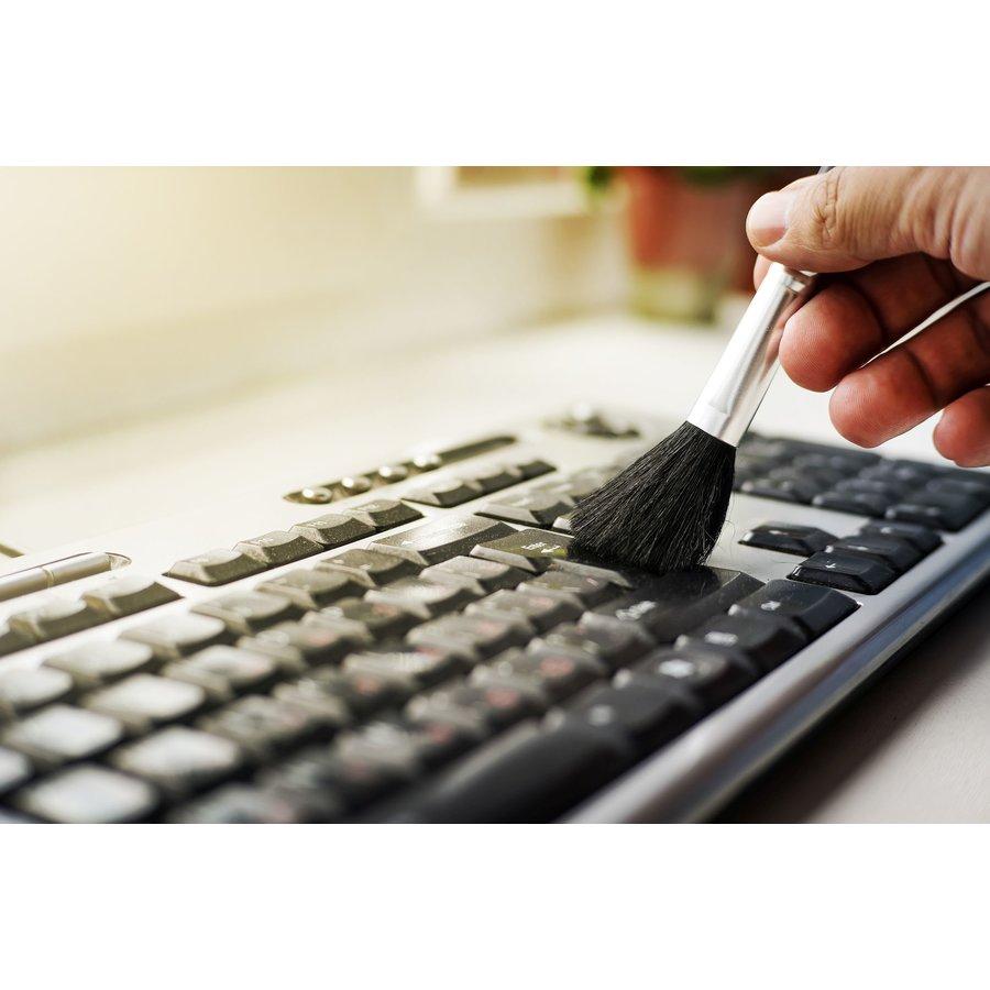 Curatare Laptop de praf