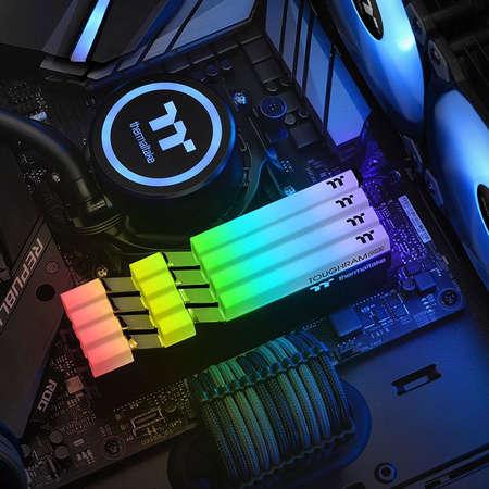 Memorie Thermaltake ToughRAM RGB 32GB (2 x 16GB) DDR4 3200MHz CL16 Dual Channel Kit